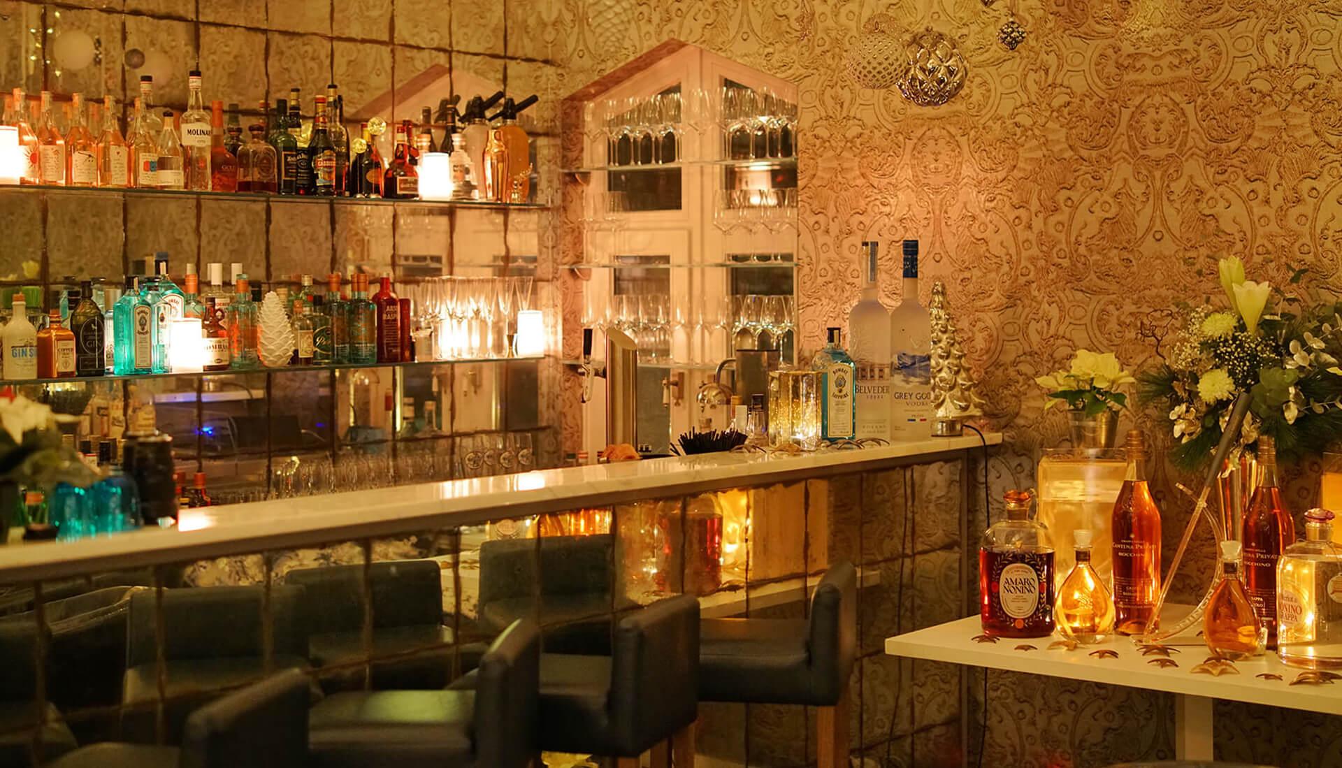 Die Bar im Kitchen Club in Dagobertshausen